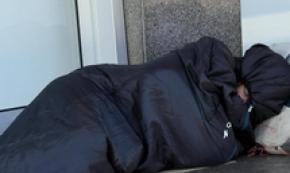 Clochard muore in stazione a Milano