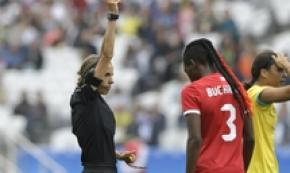 Ligue 1,domenica la prima arbitro donna