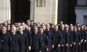 Cittadinanza onoraria a pompieri Parigi