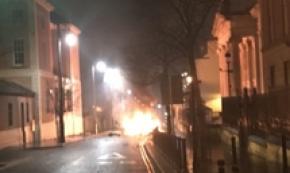 Autobomba esplode a Londonderry