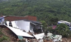 Vietnam, tempesta causa frana, 13 morti