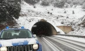 Neve, stop a traffico pesante su Ss 131