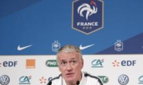 Calcio: il ct francese Didier Deschamps in conferenza stampa