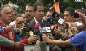 Venezuela, Guaido' ordina apertura frontiere