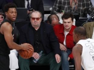 Jack Nicholson assiste all'Nba All Star Game a Los Angeles