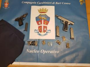 Bari, interrotto «summit» a Japigiae sequestrate armi: preparavano agguato?