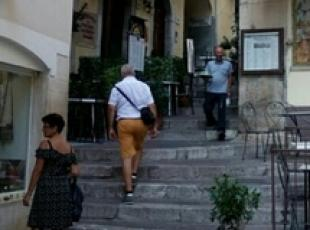 Taormina waiters banned from sidewalk after brawl