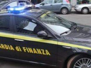 Scanzano, sequestrati capi contraffatti di club calcistici