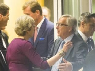 Brexit: Juncker-May, serve accelerazione