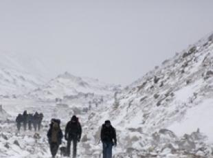 Italian falls to death in Himalayas