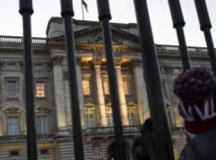 Gb: cambio guardia a Buckingham Palace
