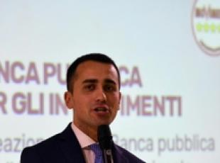 Di Maio launches M5S programme, Gentiloni says won't govern
