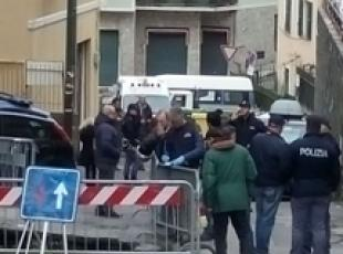 Morto in voragine, polizia in Comune