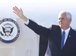 Il vicepresidente Usa Mike Pence in visita in Cile