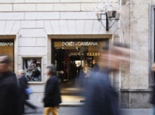 Italian retail sales down in Oct - ISTAT (2)