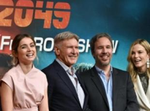 Cinema: cast 'Blade Runner 2049' con regista Villeneuve