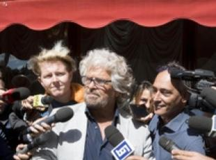I'd eat you for joy of vomiting you out- Grillo to reporters