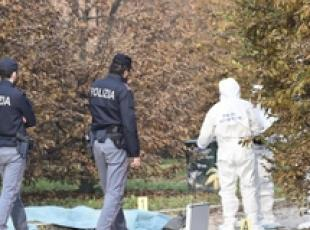 Homicide probe after woman found dead in Milan park (4)
