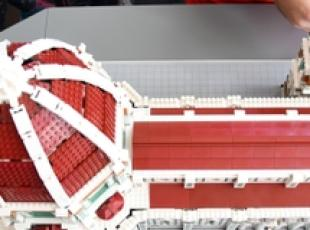 Folla per Cupola Brunelleschi in Lego