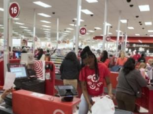 Black Friday in un supermarket di Alexandria, in Virginia