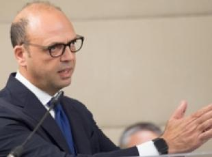 Alfano warns against improvisation on hotspots (2)