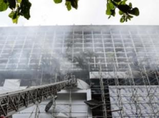 Filippine: incendio in hotel, 4 morti