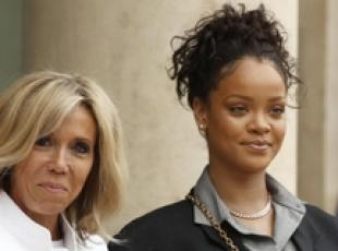 Rihanna all'Eliseo, incontro incredibile