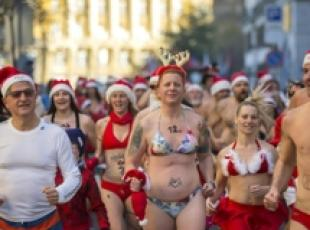 Great Santa Claus Run,corsa in costume da bagno a Budapest