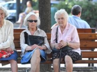 Half of Italian population over 45 - ISTAT (2)