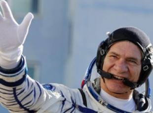 Astronaut Nespoli busy with experiments in VITA mission