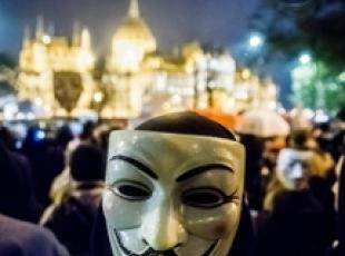 Anonymous blocca sito 007 Madrid