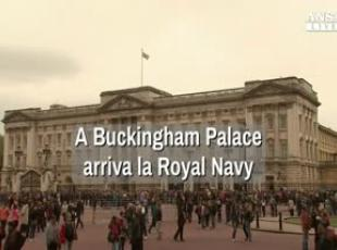 A Buckingham Palace arriva la Royal Navy